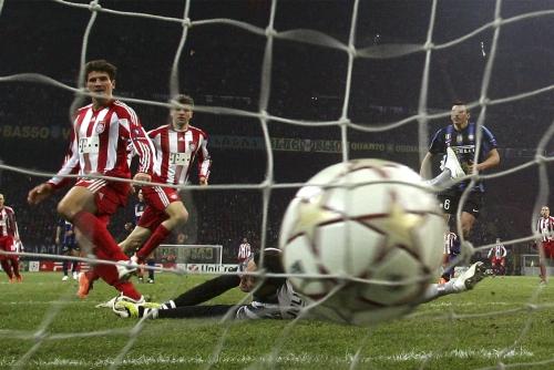 El gol de la reedición de la pasada final de Champions. Mario Gomez marca en los últimos minutos el gol que situó el marcador en el 0-1 final.